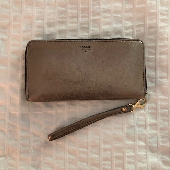 Fossil Gold Wallet